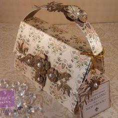 Inspirational Tutorial: Create a hand bag card!