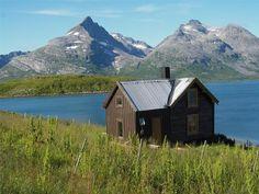Rental, Tromsø, Norway. www.inatur.no/hytte/50f1923fe4b09858059476fc/hytte-molnes-i-fantastisk-natur-nar-tromso | Inatur.no