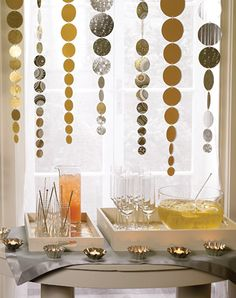 Make your own decorations for a new year's eve party!