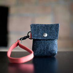 Tiny Clutch no.3 from Moop