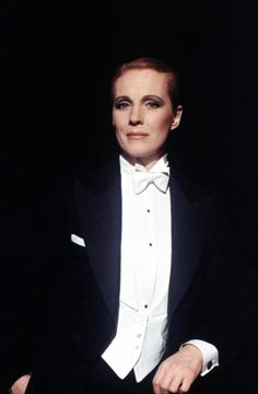 Julie Andrews, 1982 | Gay Themed Films To Watch, Victor/Victoria…