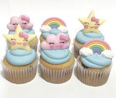 No hay descripción de la foto disponible. Star Cupcakes, Rainbow Cupcakes, Themed Cupcakes, Cute Cupcakes, Baby Girl Birthday Theme, Care Bear Birthday, Baby Shower Cakes, Baby Shower Themes, Cupcake Tumblr
