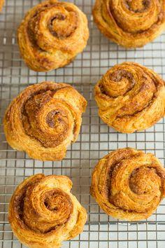 Starbucks Bakery Recipes to Make at Home: Cinnamon Rolls Cakepops, Starbucks Recipes, Starbucks Morning Bun Recipe, Starbucks Drinks, Sticky Buns, Sweet Bread, Breakfast Recipes, Breakfast Ideas, Breads