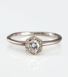 Nice 47 Vintage And Antique Engagement Rings Ideas. More at https://wear4trend.com/2018/02/19/47-vintage-antique-engagement-rings-ideas/