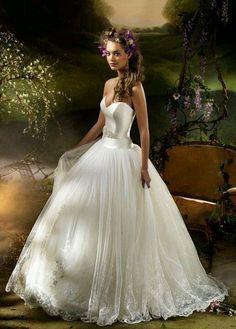 Vestido de noiva maravilhoso.