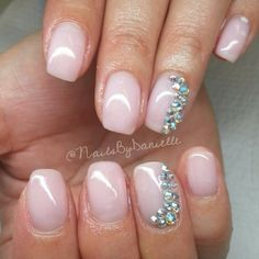 #ShareIG Beautiful and natural gel manicure