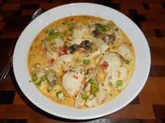Low Carb Creamy Chicken & Dumplings could be called the comfort food in this country (or not depending on which part of the country you are from). Creamy Chicken And Dumplings, Dumplings For Soup, Dumpling Recipe, Carbquik Recipes, Chef Recipes, Flour Recipes, Paleo Recipes, Spaetzle Recipe, Bubble Bread