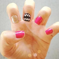 elleteethatsme's nails! Show us your tips—tag your nail photos with  to be featured on our social sites!