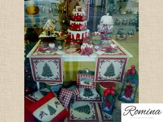 sweet table happy christmast