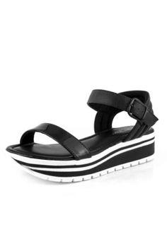 59d66eb01c 541 melhores imagens da pasta sapatos em 2019 | Sapatos, Calça e ...