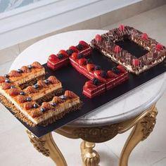 How delicious are these Eid cakes 😍😍😍😍😋😋😋 Eid Crafts, Ramadan Crafts, Ramadan Decorations, Eid Breakfast, Eid Favours, Muslim Celebrations, Eid Sweets, Eid Mubarek, Eid Food