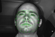Peugeot e Citröen estudam tecnologia que reage à expressão do motorista