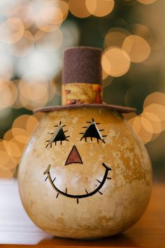 4 in diameter. Natural gourd scarecrow wood burned stitches and felt hat. Battery operated t-light located in the bottom of the gourd. Cute Crafts, Fall Crafts, Diy And Crafts, Christmas Crafts, Halloween Gourds, Halloween Crafts, Halloween Decorations, Decorative Gourds, Hand Painted Gourds