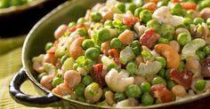 Recette de Salade de légumineuses aux petits pois et noix de cajou. Facile et rapide à réaliser, goûteuse et diététique.