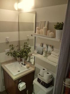 Bathroom decor apartment apartment bathroom ideas small bathroom sets glamorous ideas incredible apartments and bathrooms on Brown Bathroom Decor, Bathroom Sets, Bathroom Storage, Master Bathroom, Striped Bathroom Walls, Striped Walls, Bathroom Small, Bathroom Colors, Glass Bathroom