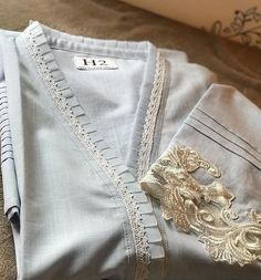 Neck Designs For Suits, Neckline Designs, Sleeves Designs For Dresses, Dress Neck Designs, Stylish Dress Designs, Pakistani Fashion Party Wear, Pakistani Dresses Casual, Pakistani Dress Design, New Kurti Designs