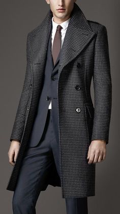 Burberry - VIRGIN WOOL HOUNDSTOOTH GREATCOAT .. Definitely one suit I'll wear for new year's eve !! Dashing...: