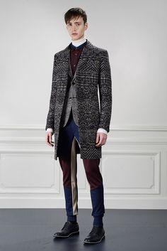 Viktor & Rolf Fall 2015 Menswear Fashion Show