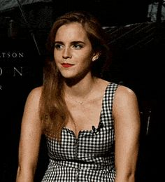 /r/EmmaWatson - For everything about the lovely and glorious Emma Watson. Emma Watson Cute, Emma Watson Body, Emma Love, Emma Watson Sexiest, My Emma, Breastfeeding Photography, Famous Women, Celebs, Celebrities