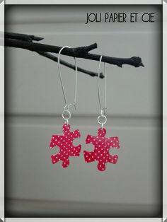 boucles d'oreilles en papier, puzzle rouge à pois blancs