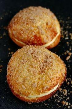 Sweettoothday - pražský koláč | inspiromat banalit Hamburger, Pancakes, Muffin, Sweets, Bread, Baking, Breakfast, Food, Morning Coffee
