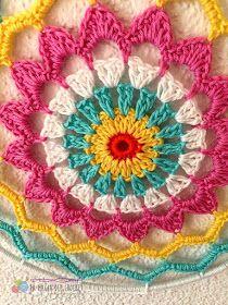 Sublime Crochet for Absolute Beginners Ideas. Capital Crochet for Absolute Beginners Ideas. Crochet Stars, Crochet Round, Crochet Home, Love Crochet, Crochet Mandala Pattern, Crochet Diagram, Easy Crochet Patterns, Crochet Stitches, Crochet Dreamcatcher