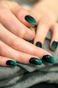Easy, chic, holiday nail inspiration that's <i>not</i> cheesy