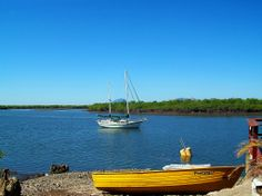 San Lorenzo, Porlamar: Mangroves at Golfo de Fonseca, Honduras. In the background the extinct volcano in Isla del Tigre Amapala. Tegucigalpa, Honduras, Roatan, Volcano, Homeland, Sailing Ships, Places Ive Been, My Photos, Golf
