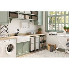 46 Trendy Traditional Laundry Design Ideas You Must Have. The laundry room is considered to be the smallest room in the house and it is also very useful to us. Mudroom Laundry Room, Laundry Room Layouts, Farmhouse Laundry Room, Laundry Room Organization, Laundry Hamper, Laundry Room Island, Laundry Room Curtains, Laundry In Kitchen, Laundry Craft Rooms
