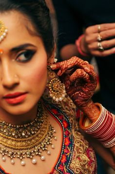 http://www.polkacafe.com/articles/458/home-living/celebration/16-ways-to-do-destination-wedding-jewellery-for-every-kind-of-wedding.html