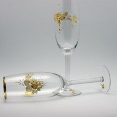 $25 Gorgeous hand painted wedding flutes by a fellow Etsian!