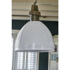 The Baltimore Hanging Lamp is a sturdy hanging lamp that cfits into many different interior styles, from classic country to modern. Also available in medium in the colors grey and green.