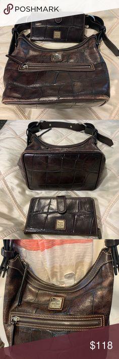 9c94fddb4822 Dooney   Bourke Leather Handbag   Wallet Set Dooney   Bourke Leather Handbag  and Wallet Set