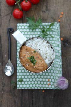 Purée de lentilles corail & aubergine à l'indienne - Association Végétarienne de France Going Vegetarian, Vegetarian Cooking, Going Vegan, Vegetarian Recipes, Healthy Recipes, Healthy Food, Cooking Chef, Healthy Meals, Veggie Recipes