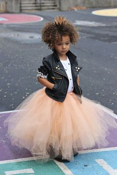 When you wanna rock your pink tutu! Casamento Rock'n Roll ! Outfits Niños, Kids Outfits, Little Girl Fashion, Kids Fashion, Fashion 2016, Womens Fashion, Fashion Trends, Mode Swag, Vogue Kids