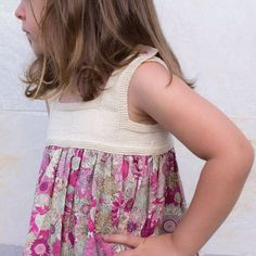 Lateral vestido ganchillo y tela patchwork
