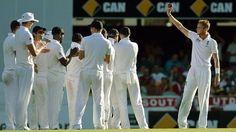 Ashes 2013-14: Stuart Broad puts England in control in Brisbane