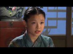 5分でわかる「トンイ」~第2回 裏切り~ 貧しい境遇から王の側室となり後の名君を育てたトンイの劇的な生涯を描く韓国超大作歴史ドラマ。  NHK総合テレビに登場の『トンイ』が5分でわかるダイジェスト版。うっかり見逃した、もう一度みたい・・・そんなあなたはこれをチェック!    第2回「裏切り」   剣契(コムゲ)の頭であるトンイの父・ヒョウォンは仲間を招集。陰謀の黒幕を暴き捕らえられた同志を救おうと一致団結する。  トンイは男に連れ去られ、ある家に連れてこられていた。ソ・ヨンギはカン武官殺しの犯人を探していた。  第2回を5分ダイジェストでご紹介!  NHK総合テレビ 毎週日曜 午後11時~ (C)2010 MBC    番組HPはこちら「http://nhk.jp/toni」