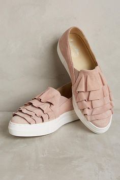 A ladylike touch. Seychelles Larissa Ruffle Trainers – Anthropologie.