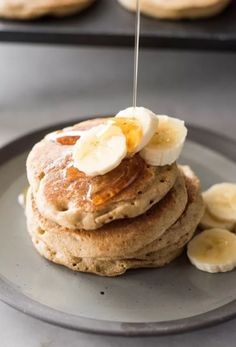 These easy and delicious banana oat blender pancakes are gluten free and dairy free. Sweetened with honey and a perfect healthy breakfast. Banana Oats, Banana Pancakes, Healthy Desserts, Healthy Recipes, Smoothie Recipes, Smoothies, Dairy Free, Gluten Free, Cooking Recipes