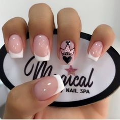 The most beautiful wedding nails, we help you choose - Page 44 of 60 - Inspiration Diary Best Acrylic Nails, Acrylic Nail Designs, Nail Manicure, Gel Nails, Nail Spa, Diy Ongles, Short Square Nails, Short Nails, Nail Art Designs Videos