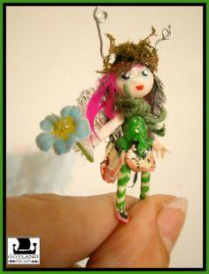 Hada Nomeolvides - Escultura en miniatura única realizada en arcilla polimerica. -