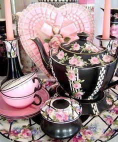 Tea Set black and pink