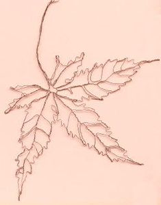 japanese maple leaf sculpture by wire sculptor Elizabeth Berrien Copper Wire Art, Wire Drawing, Art Du Fil, Wire Trees, Chicken Wire, Leaf Art, Wire Crafts, Natural Forms, Beads And Wire