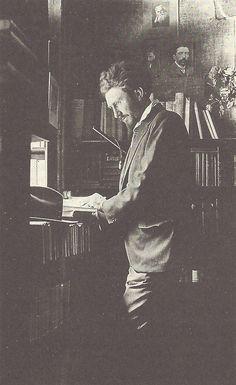 Ezra Pound à la librairie Shakespeare & Company, Paris, années 1920