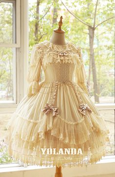 Daily updates on new lolita items and many lovely pictures of dress, dessert, etc. Hope you find a lot of inspiration here. Harajuku Fashion, Kawaii Fashion, Lolita Fashion, Pretty Outfits, Pretty Dresses, Beautiful Dresses, Cute Outfits, Estilo Lolita, Japanese Fashion