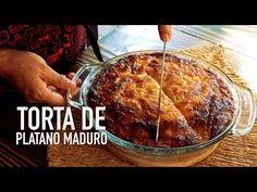 Una torta de Plátano Maduro muy sencilla mezclada con queso y otros ingredientes que todo tenemos, una delicia que no te puedes perder! Cuban Recipes, Desert Recipes, My Recipes, Sweet Recipes, Cooking Recipes, Favorite Recipes, Plantain Cake Recipe, Plantain Recipes, Banana Recipes