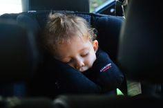 Opadająca głowa? Nigdy więcej! Recenzja poduszki Sandini SleepFix | szczypiorki.pl