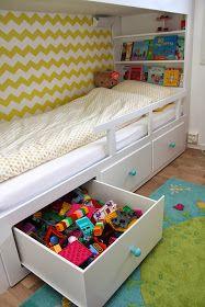 hvitstil.com: Plassbygd seng til jenterommet Ikea Hemnes Daybed, Flip Or Flop, Seaside Decor, Kids Bedroom, Bedroom Ideas, Small Spaces, Toddler Bed, Interior Design, Furniture