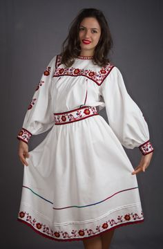 Hand embroidered Romanian folk costume from Oas area (Northern Romania) - romanian blouse - boho chick - bohemian style - fashion - vyshyvanka